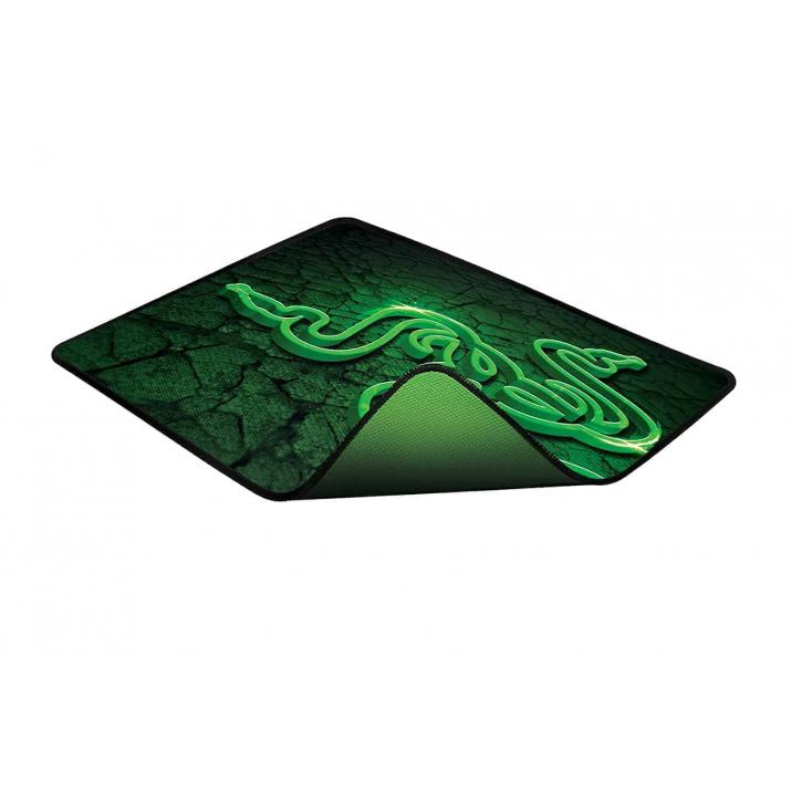 Razer Abyssus 2000 and Goliathus Control Fissure Mouse Mat Bundle - FRML Packaging
